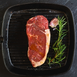 Beef thick cut sirloin steak 250g