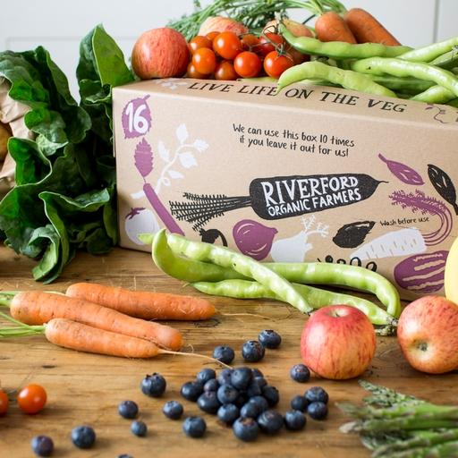 Seasonal organic fruit and veg box - medium