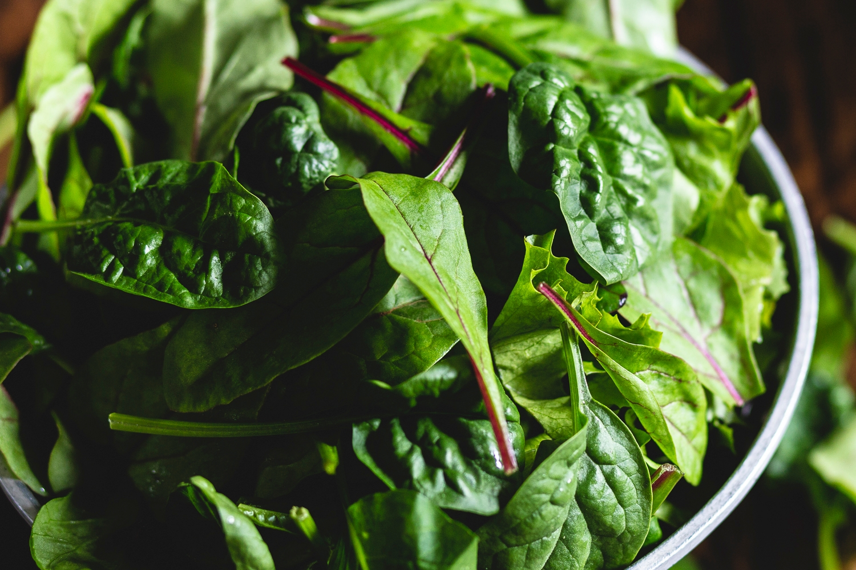 Mild mixed salad leaves