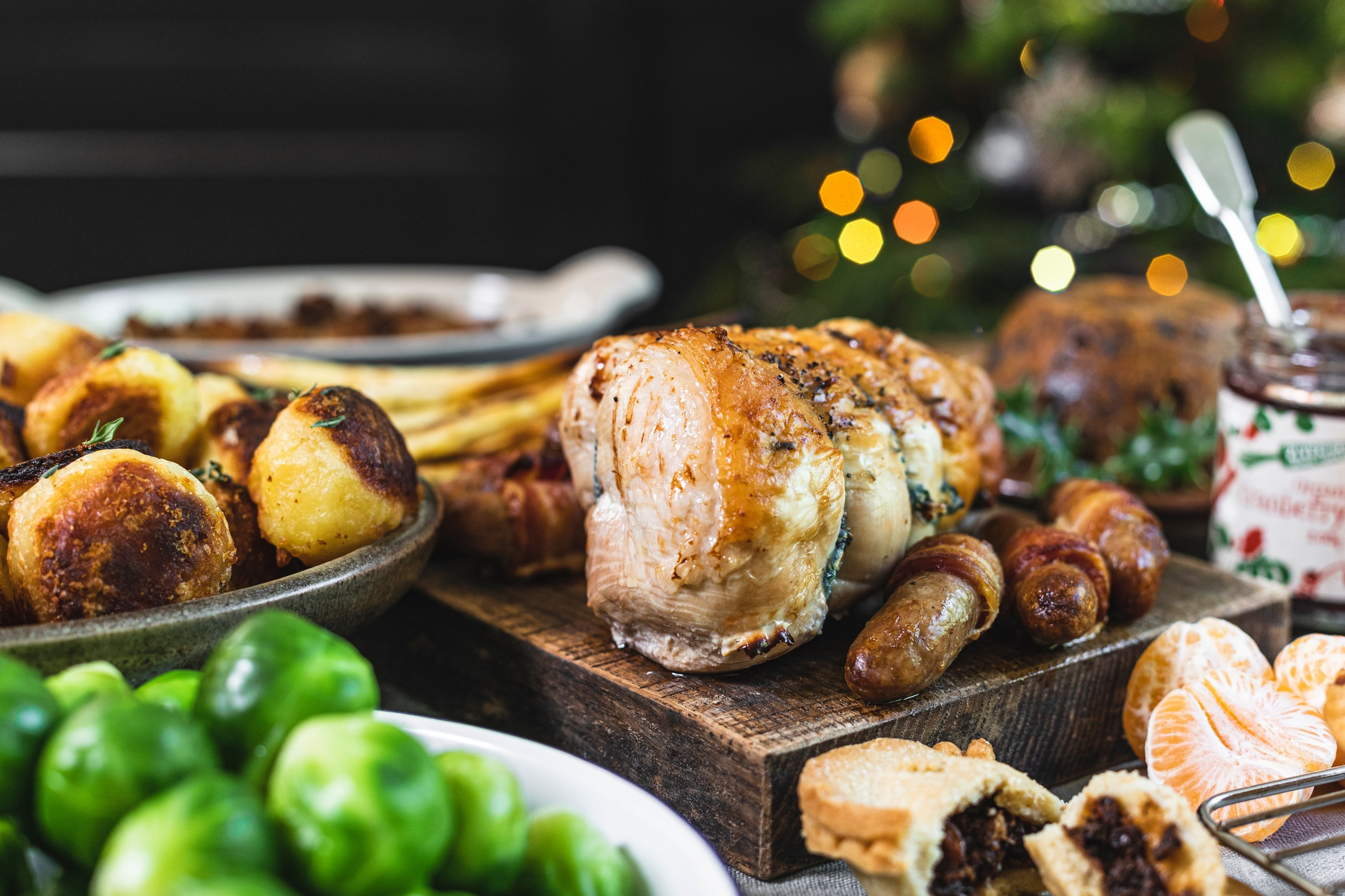 Small Christmas dinner box with turkey breast joint & trimmings
